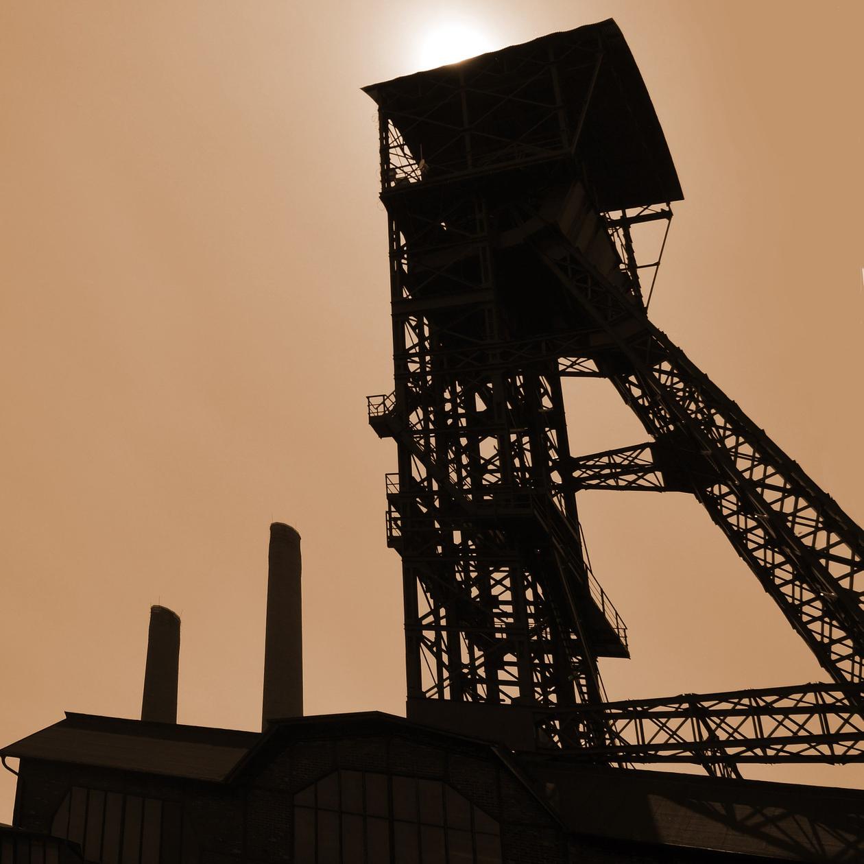 industry-810799_1920